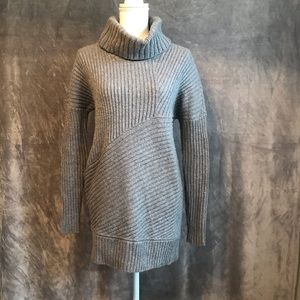 Ann Taylor Gray Ribbed Turtleneck Tunic Sweater M